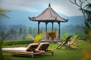 GMV_lazy-chairs,-pagoda,facing-mountain